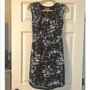 Tory Burch Navy Floral Dress size 2 with belt
